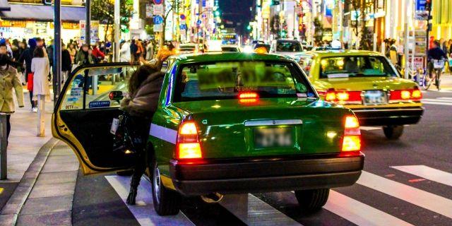 タクシーと車の衝突の例へのあてはめ